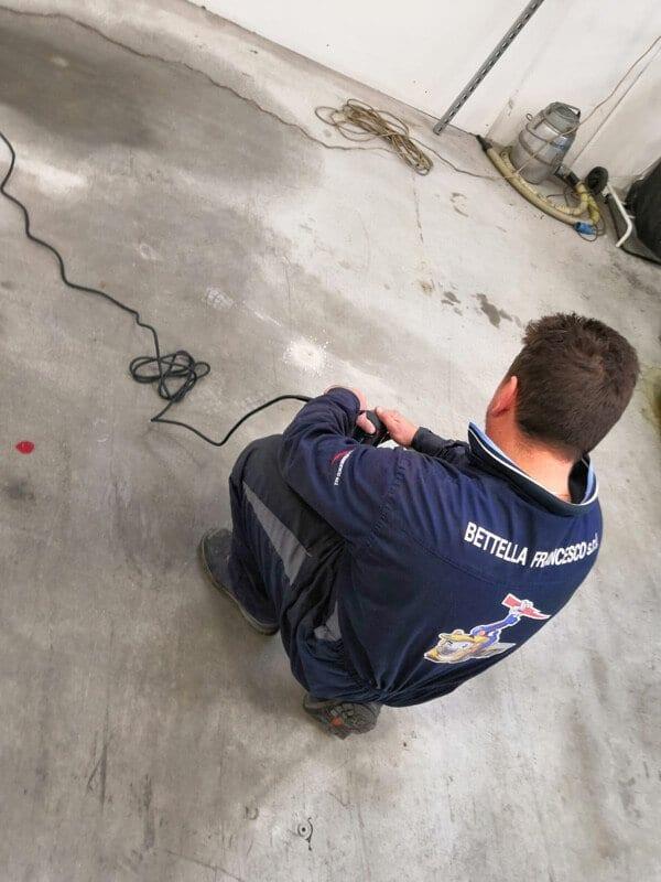 Pre-installazione macchinari dopo la posa a terra