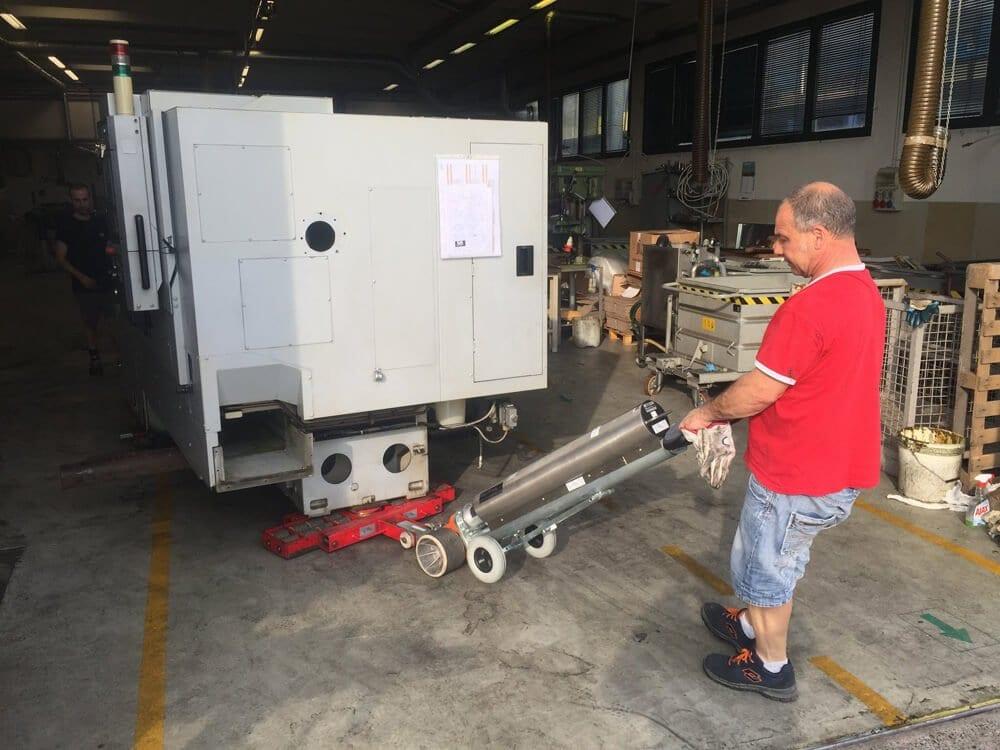 lavori di installazione macchinari dopo la posa