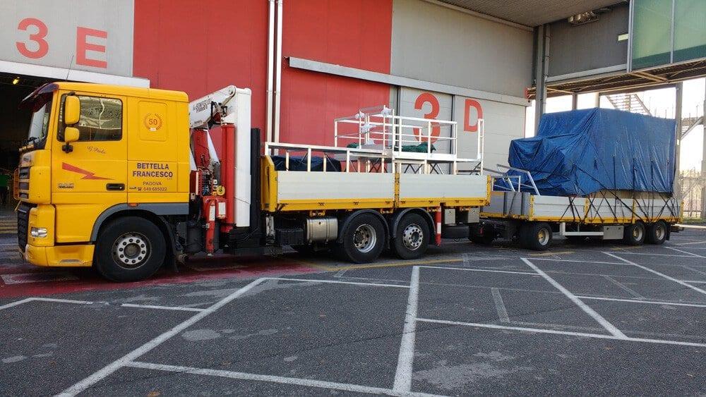 autotreno per trasporto merci